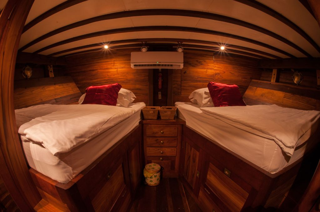 twin-share-cabins-liveaboard-komodo